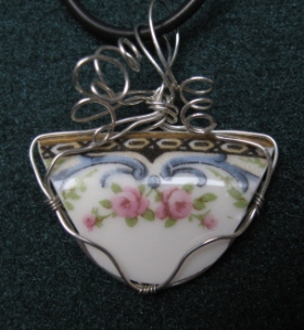 Broken china Limoge pendant
